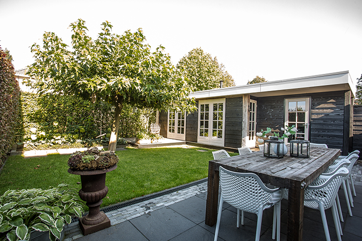 LODZ Veranda afmeting 10*3.5m in tuin van 10*10m!